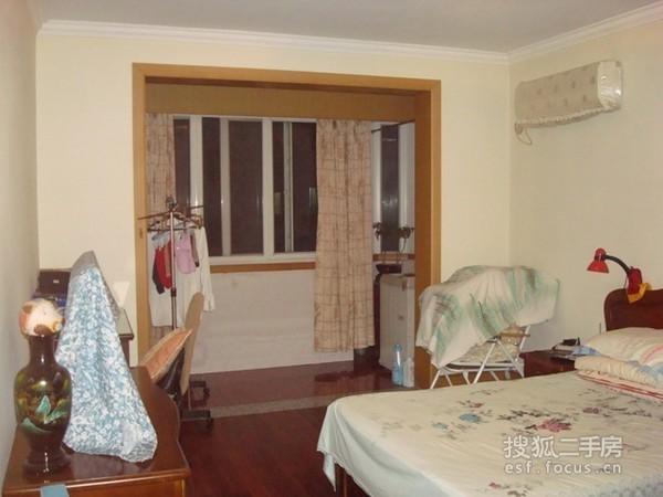 虹口区 凉城 灵新小区小区 简装修 49平米2室1厅厅1卫卫