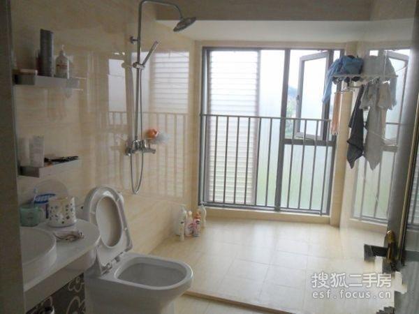 欧式精装3房 客厅带阳台 赠送入户花园 送全家电