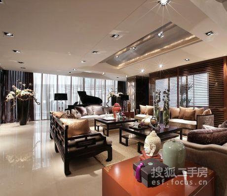御沁园一手联排别墅,独特错层设计,七米挑高客厅彰显豪门风范