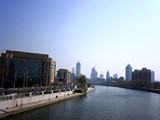 下瓦房街:双轨交汇海河休闲商区