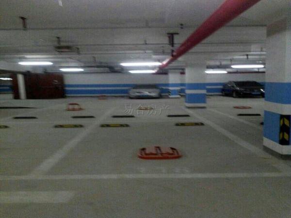 青岛万科生态城地下车库