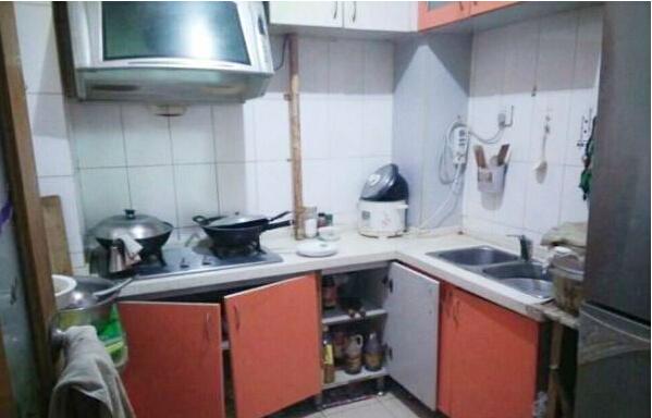 精装修卧室厨房