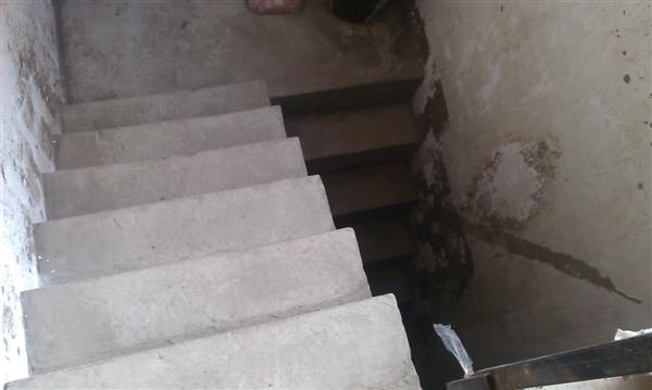 铁西 纳帕阳光 带同等面积的地下室 无税 赠送花园 超便宜 -室内图-4