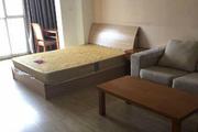 高新区傲云峰1室1厅40平米精装修年付