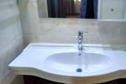 体育城精装修两室1200房东可配家具