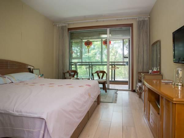 上跃三居室 挑高客厅