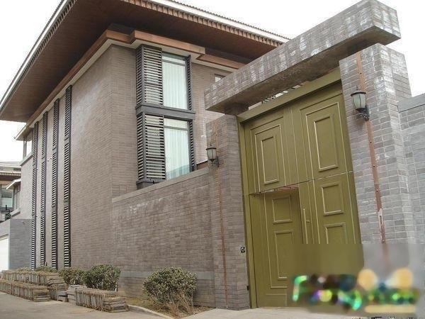 朱雀门独栋别墅 送500平院子 送两个车库 内带独立电梯育才